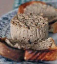 Quebec Cretons – Food and Wine Chickie Insider This spreadable meat dish is similar to pâté but with more texture. Cretons are a very typical eastern Canada dish served at breakfast time on toasted bread. Cretons are sometimes also served on … Pork Recipes, Wine Recipes, Great Recipes, Cooking Recipes, Favorite Recipes, Fall Recipes, Chicken Recipes, Vegan Recipes, Canadian Dishes