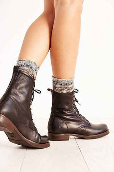 Shop Urban Outfitters for your favorite women's chelsea boots and combat boots. Whether you're looking for a pair of hiking boots or lace up boots we have it all. Style Converse, Converse Outfits, Combat Boot Outfits, Combat Boots, Frye Boots Outfit, Looks Style, My Style, Frye Veronica, My Unique Style