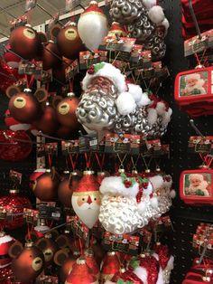 Christmas Wreaths, Christmas Bulbs, Home Decor Store, Holiday Decor, House Decor Shop, Christmas Light Bulbs, Advent Wreaths