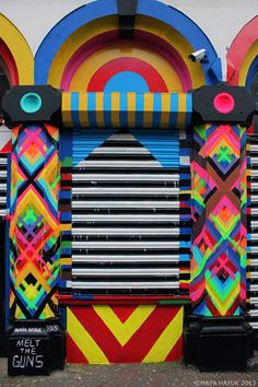 brooklyn-street-art-maya-hayuk-london-03-13-web-2.jpg 740×1.111 pixels