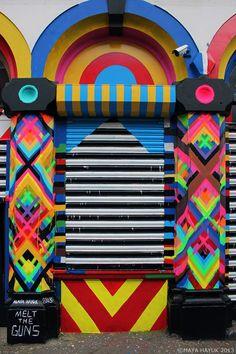 brooklyn-street-art-maya-hayuk-london-03-13-web-2.jpg 740×1.111 pixels