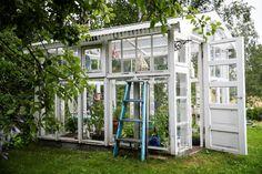 Potting Sheds, Garden Inspiration, Garden Ideas, Dream Garden, Scandinavian Style, Beautiful Gardens, Cottage, Outdoor Structures, Haku