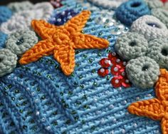 Detail of the crochet purse I made awhile back. It was supposed to appear in one fairytale inspired craft book but the book never happened. Well, I was thankful anyway as this little project helped me overcome the bad creative block I was having at that time. In a few days this purse will travel to its new home.  #crochet #crochetersofinstagram #crochetbymariannes #haken #uncinetto #purse