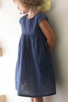 a double gauze geranium dress. Beautiful, comfy dress made with soft double gauze fabrics. Geranium Dress Pattern, Little Girl Dresses, Girls Dresses, Sewing Kids Clothes, Barbie Clothes, Gauze Dress, Dress Tutorials, Dress Patterns, Coat Patterns