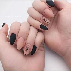 Discover cute and easy nail art designs for all occasions. Find inspiration for Easter, Halloween and Christmas and create your next nail art design. Minimalist Nails, Black Nail Designs, Cool Nail Designs, Black Nails, Matte Nails, Cute Acrylic Nails, Fun Nails, Nail Manicure, Nail Polish