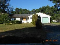 26 Glenmere Ln Coram, NY, 11727 Suffolk County | HUD Homes Case Number: 374-451816 | HUD Homes for Sale