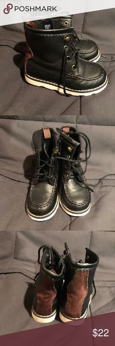Gap toddler boy boots Gap toddler boy boots, navy, like new, size 7 GAP Shoes Boots