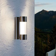 Modern Outdoor Wall Lighting, Led Outdoor Wall Lights, Outdoor Walls, Front Door Lighting, Exterior Lighting, Outside Lights On House, Best Night Light, Applique Led, Entryway