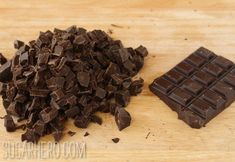 Learn how to temper chocolate with this illustrated tutorial. This is the simplest, easiest, most FOOL-PROOF way to temper chocolate ever! How To Temper Chocolate, Chocolate Photos, Chocolate Decorations, Chocolate Covered Strawberries, Baking Tips, Candy Recipes, Love Is Sweet, Food Items, Clean Eating Snacks