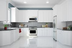 A modern kitchen needs to have the following features.  #ModernKitchens  #ModernKitchen