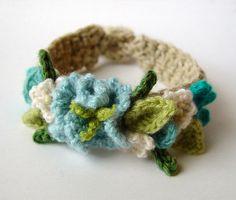 Crochet Turquoise Flowers Bracelet | Flickr: Intercambio de fotos
