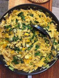 One Pot Pasta, Food Trends, Kitchen Recipes, Wok, Paella, Finger Foods, Pasta Salad, Risotto, Veggies