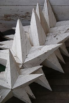 Change is good. Hitting the refresh button - is well - refreshing ! The cottage gals are busting into the new year with fresh paint, intr. Wood Projects, Woodworking Projects, Wood Stars, Wood Creations, Barn Quilts, Xmas Decorations, Rustic Furniture, Wood Pallets, Barn Wood