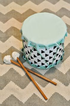 Home made drums Drums For Kids, Drum Lessons For Kids, Drum Craft, Diy Drums, Foyer Furniture, Drum Table, Nativity Crafts, Diy Toys, Diy Crafts For Kids