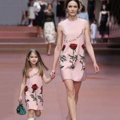 Sleeveless Flower Print Pink Knee-length Dress