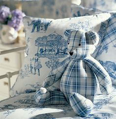 Fabulous Nursery in toile de Jouy Chinoiserie, Love Blue, Blue And White, White Cottage, Cozy Cottage, White Decor, My Favorite Color, Blue Bird, Shades Of Blue