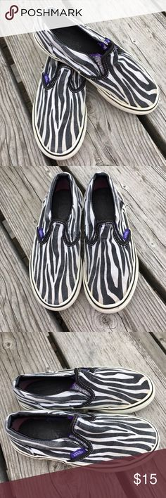 🆕List! Kids Zebra Stripe Vans! GUC! Kids size 12. Slip on style. Vans Shoes Sneakers
