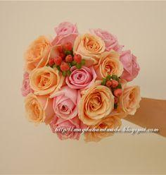 Buchet de mireasa / Bridal Bouquet Floral Arrangements, Photo And Video, Rose, Flowers, Plants, Florals, Roses, Planters, Flower Arrangement