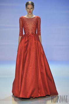 Georges Hobeika Otoño-Invierno 2014-2015 - Alta Costura - http://es.flip-zone.com/fashion/couture-1/fashion-houses/georges-hobeika-4795 - ©PixelFormula