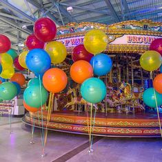 Circus Party Theme Big Round Balloons, Giant Balloons, Latex Balloons, Bubblegum Balloons, Circus Theme Party, Balloon Garland, Bubble Gum, Entertaining, Carnival