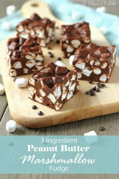 Only 3 Ingredients! Peanut Butter Marshmallow Fudge / Delicious as it Looks