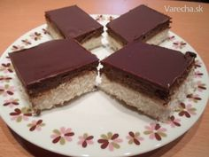 Kokosové rezy (fotorecept) - Recept High Sugar, Sweet Cakes, Dessert Recipes, Desserts, Baked Goods, Bakery, Goodies, Food And Drink, Coconut