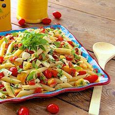 Penne Pasta Salad w/ Fresh Mozzarella and Heirloom Tomatoes - thecafesucrefarine.com