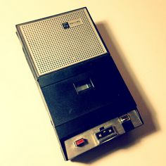 1967 Philips - cassette recorder developed in Hasselt, Belgium (Collectioned) Cassette Recorder, Tape Recorder, Record Players, Music Images, My Childhood Memories, Austria, Old School, Hobbies, Sketch