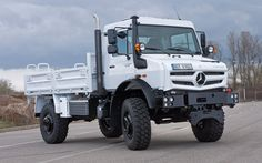 One of the German brand's coolest, most rugged, most versatile, and biggest trucks ever ,Mercedes-Benz Unimog Mercedes Benz Unimog, Mercedes Benz Trucks, New Mercedes, Dump Trucks, Big Trucks, Pickup Trucks, Mercedez Benz, Tough As Nails, Expedition Vehicle