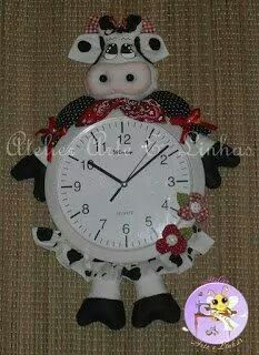 Relógio Christmas Clock, Christmas Ornaments, Cows Mooing, Country Crafts, Felt Flowers, Swirls, Baby Gifts, Mason Jars, My Design