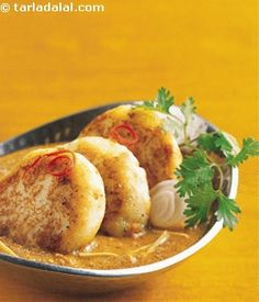Paneer Tikki Pasanda (Cottage cheese patties in Onion gravy)    by Tarla Dalal - I am definitely going to try this one.