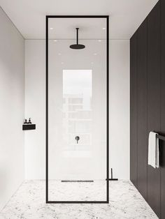 The Best Shower Design Trends You'll See This Year Minimalist Showers, Minimalist Room, Bathroom Design Luxury, Bathroom Design Small, Hotel Room Design, Luxury Shower, Modern Farmhouse Bathroom, Interior Exterior, Bathroom Inspiration