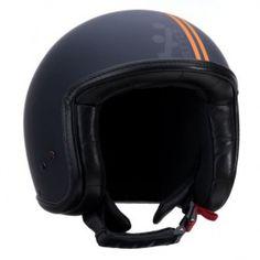 casque jet line scooter moto A-style vintage fashion noir orange mat Scooter Moto, Scooter Helmet, Vespa Scooters, Bicycle Helmet, Style Vintage, Vintage Fashion, Jet, Riding Helmets, Orange