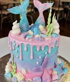 mermaid cake for mermaid birthday party Mermaid Birthday Cakes, Birthday Cake Girls, Mermaid Cupcake Cake, Unicorn Cupcakes, Birthday Ideas, Mermaid Tail Cake, Mermaid Tails, Little Mermaid Cupcakes, First Birthday Girl Mermaid