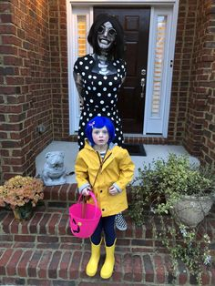 My 6 year old sister wanted to be Coraline for Halloween and for me to accompany her as the Other Mother. Here is our result! Tags: Other Mother 489 points, 16 comments. Coraline Halloween Costume, List Of Halloween Costumes, Couples Halloween, Mom Costumes, Halloween Kids, Halloween 2018, Costume Ideas, 1 Year Old Costumes, Ghost Costumes