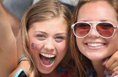 Bellas fanáticas del juego Bélgica vs. USA en el Mundial de Brasil - Terra USA