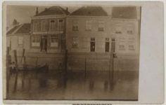 Oude Binnenhaven Bergen op Zoom met rechts de Haas