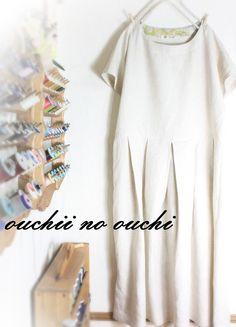 柔らかいしっとりリネンでお作りしましたドルマンスリーブタックワンピースです。スカートにボリュームのあるゆったりしたサイズ感のワンピースです。一枚でさらっと着た... ハンドメイド、手作り、手仕事品の通販・販売・購入ならCreema。