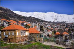 Baskinta village with Mount Sannine in the background Tu Me Manques, Beirut, North Africa, Heaven On Earth, Dream Vacations, Old Houses, Scenery, Photos, Around The Worlds