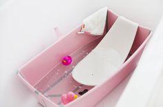 Stokke Flexi Bath in Pink with Newborn Insert