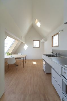 BASE / Komada Architects' Office
