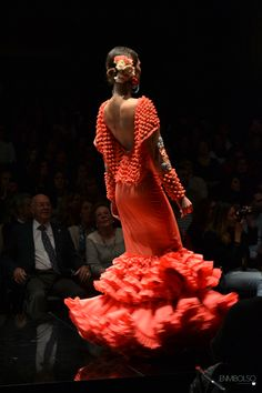 SIMOF 2016: Lo mejor de la semana flamenca Spanish Fashion, Couture Collection, Nice Tops, Fashion Forward, Beautiful Dresses, Ready To Wear, Girls Dresses, Style Inspiration, Costumes