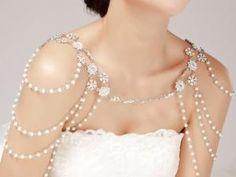 Habillez vos épaules avec nos bijoux de mariage originaux • Hellocoton.fr