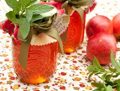 Autumn Apple Mint Jelly ~ This jelly makes a great glaze on meats or pastries as well. Jelly Recipes, Jam Recipes, Canning Recipes, Apple Recipes, Recipies, Apple Jelly, Apple Mint Jelly Recipe, Apple Jam, Apple Juice