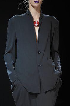 230 details photos of Yohji Yamamoto at Paris Fashion Week Spring 2012.