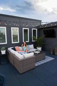 Sharing a few updates we made to the rooftop terrace of our townhouse including colorful pillows, adding a TV, and an outdoor dining set. Rooftop Decor, Rooftop Design, Rooftop Terrace, Terrace Floor, Terrace Garden Design, Patio Design, Terrace Ideas, Patio Ideas, Outdoor Dining Set