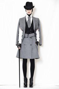 Alexander McQueen Pre-Fall 2009 Collection Photos - Vogue