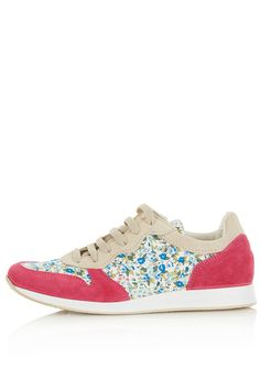 Topshop tuscany floral print runners. Loving the precious floral prints this spring