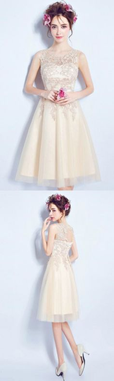 Champagne A-line Scoop Neck Knee-length Tulle Formal Dress Homecoming Dress Prom Dress With Appliques Lace