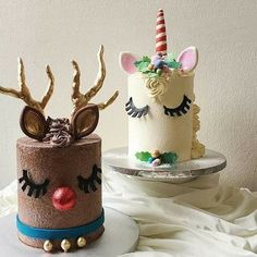 Must Have: Unicorn Cake. KEK & Co.'s Christmas cakes rides on the current worldwide unicorn cake trend – and a fun interpretation on the reindeer cake! Holiday Cakes, Christmas Desserts, Christmas Treats, Christmas Baking, Christmas Cakes, Christmas 2017, Fancy Cakes, Cute Cakes, Beautiful Cakes